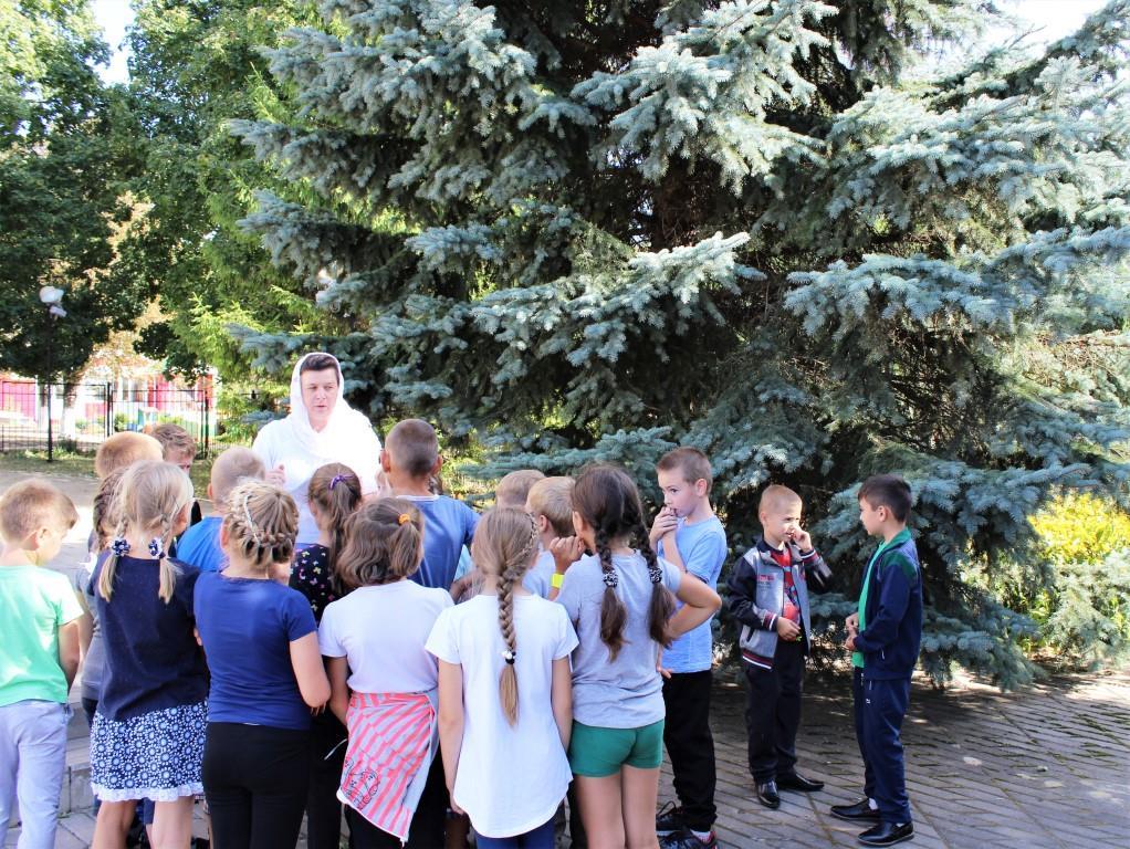Школьники села Верхопенье посетили храм